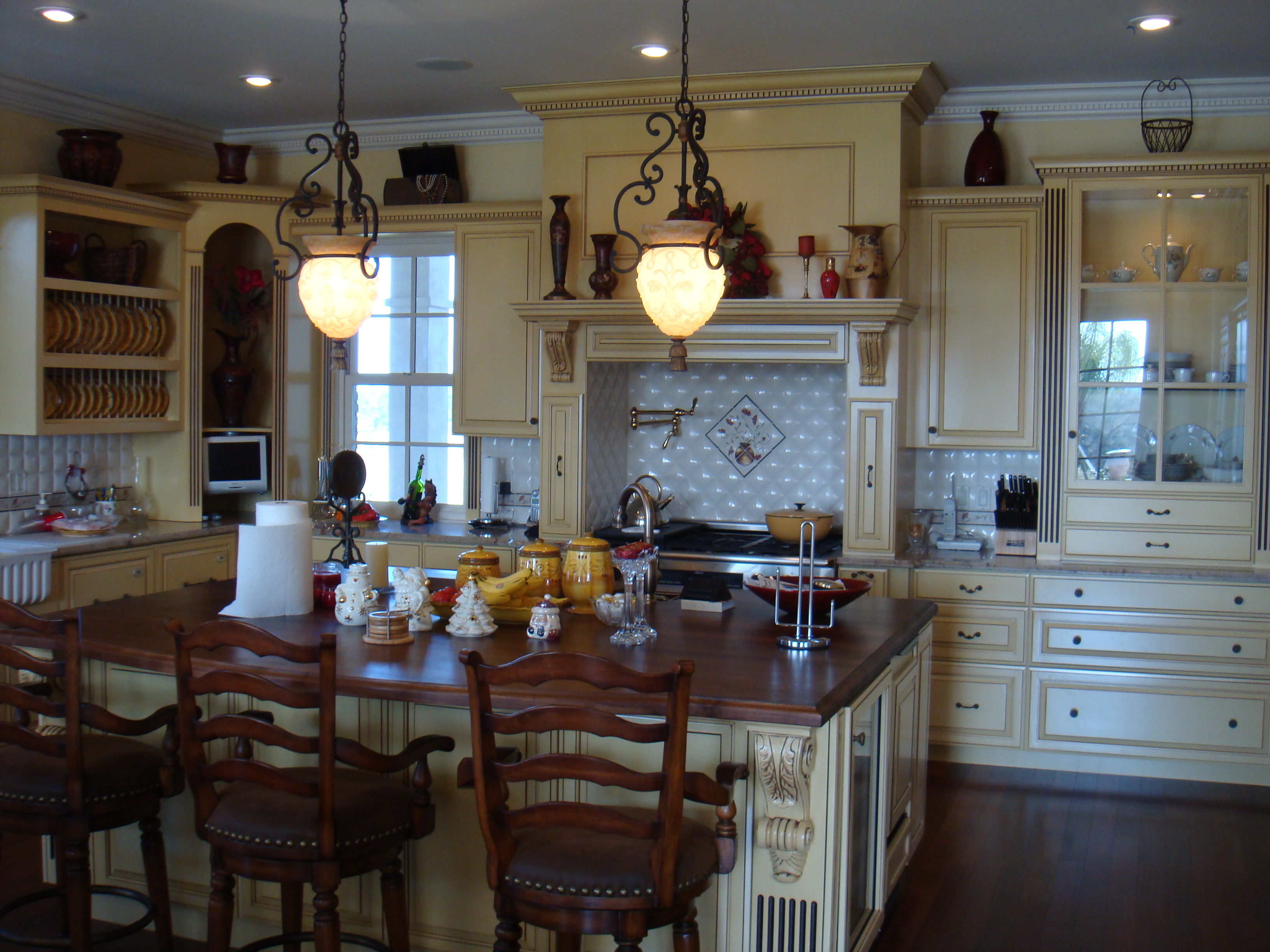 Believes That You Should Wow Your Guests With Amazing Kitchen Cabinetry.  Cherry Woodworking, Inc. Is Familiar With All Style Of ...